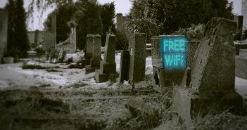 Технологии-призраки: Почему Интернет на Луне будет лучше земного?