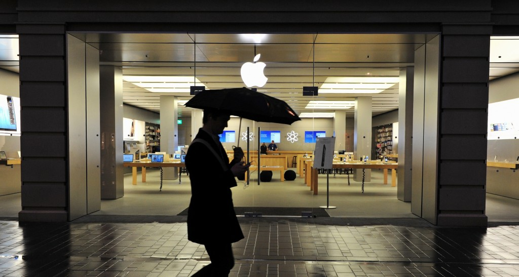 Apple and PayPal are leaving Crimea