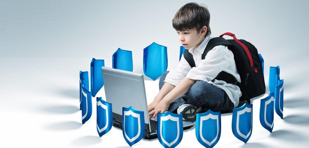 """""""Лига безопасного интернета"""" предлагает создать SchoolNet"""