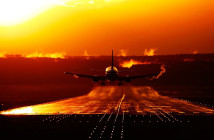 Россия уходит в интернет, а Украина защищает самолеты от хакеров
