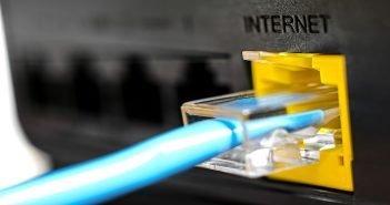 Депутаты Кыргызстана требуют от правительства обеспечить альтернативный интернет-доступ