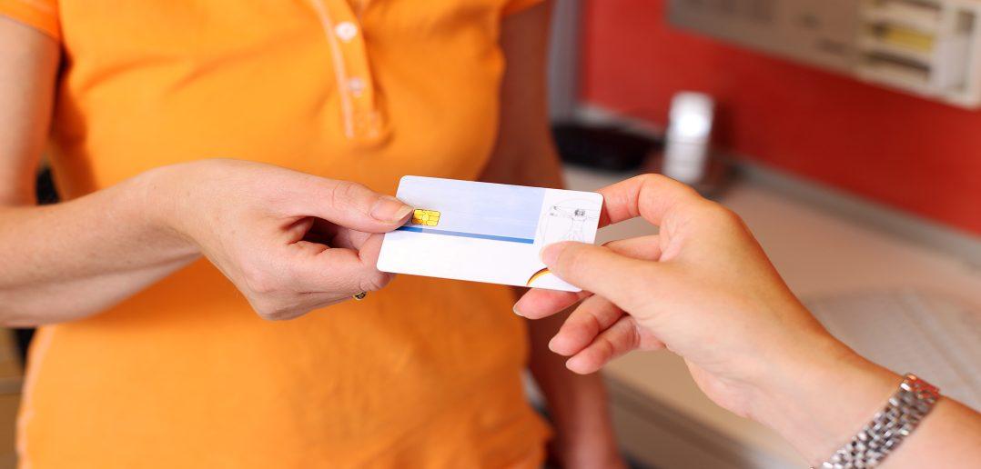 В Украине ID-карты заменили паспорта
