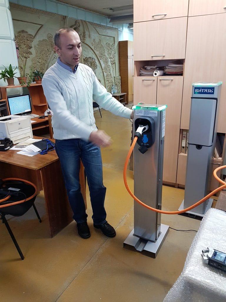 Дмитрий Харин и прототип