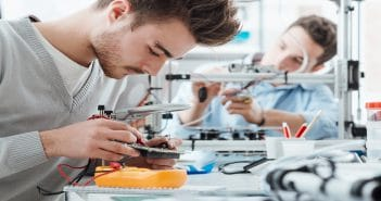 Армения: Открыта очередная инженерная лаборатория «Армат» для школьников