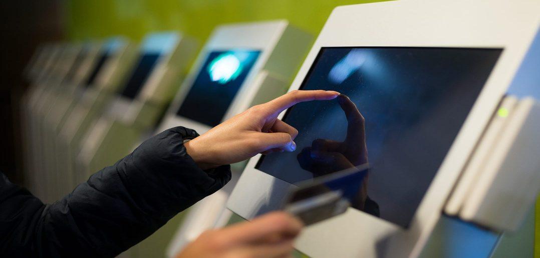 Почта Азербайджана начала прием платежей за связь и интернет