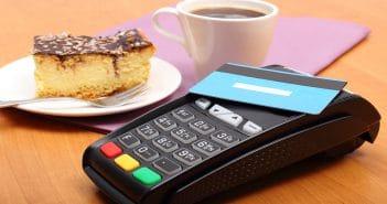 В России крупные покупки разрешат делать только по безналичному расчету