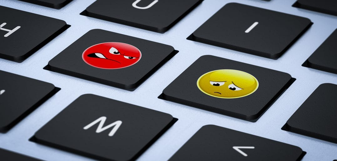 60% молодежи Кыргызстана не боится насилия и запугивания в интернете