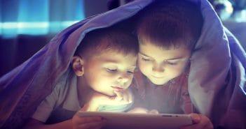 В России предлагается детей до 14 лет не пускать в соцсети, а после 14 – по паспорту