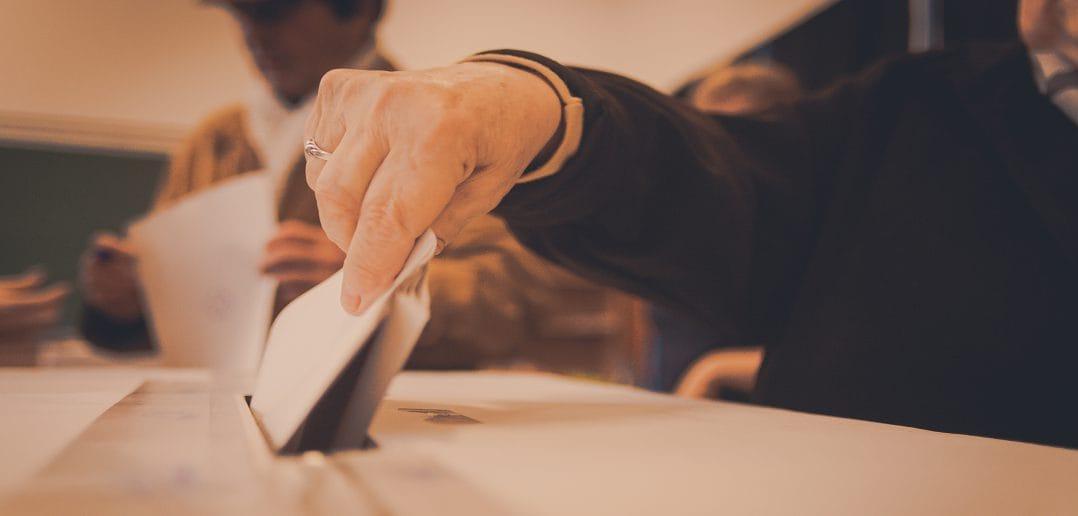 Оппозиция в Армении требует создать базу отпечатков пальцев избирателей