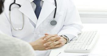 В России ввели электронные больничные и думают об электронных трудовых книжках