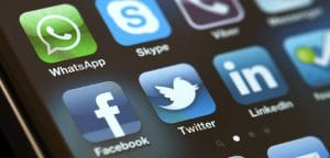 В Азербайджане заблокировали трафик WhatsApp, Facebook и Skype