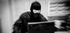 Эксперт и депутат оценили долю присутствия экстремистского контента в Таджнете: 5% & 80%
