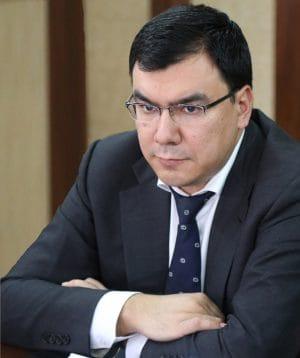 Азиз Абдухакимов, министр занятости и трудовых отношений Узбекистана