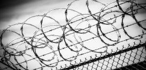 Россия: Администратор «групп смерти» получил 3 года и 4 месяца колонии-поселения