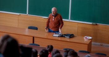 Для студентов российских вузов организуют лекции во «ВКонтакте»